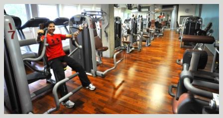 Krafttraining im Fitnessstudio MUNICHGYM